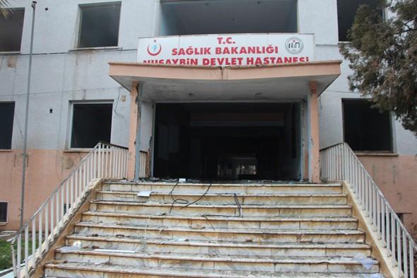 Teröristler devlet hastanesini yaktı galerisi resim 1