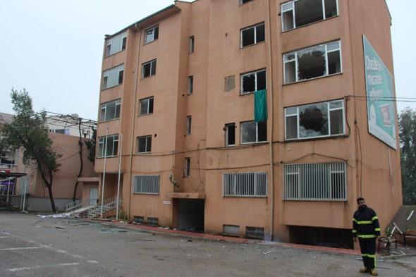 Teröristler devlet hastanesini yaktı galerisi resim 11