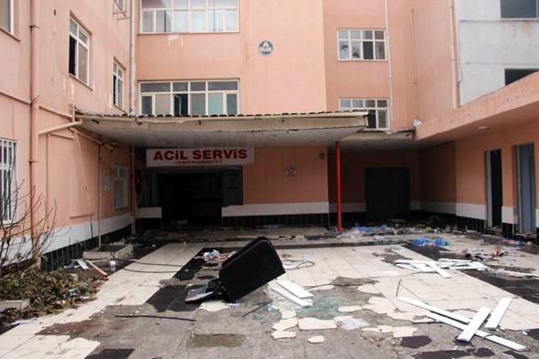 Teröristler devlet hastanesini yaktı galerisi resim 12