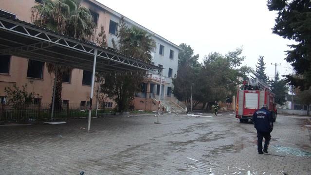 Teröristler devlet hastanesini yaktı galerisi resim 13