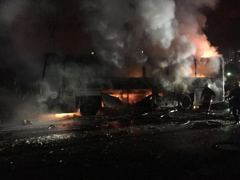 Askeri servise bomba: 28 ölü 61 yaralı galerisi resim 12