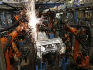 Sanayi üretimi Eylül'de düştü