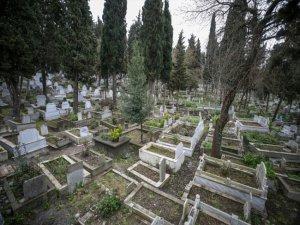 İnegöl'de mezarlıklarda yer kalmadı!