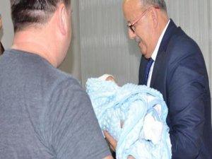 Yeni doğan bebeğin ismini Başkan koydu
