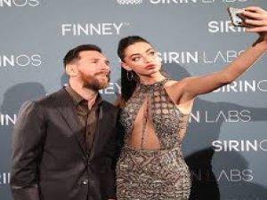 Messi'nin elini ayağına dolaştırdı