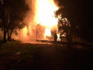 Yangında bir ev kül oldu!