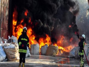 Fabrika'da yangın felaketi!