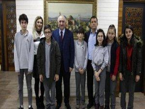 Başkan Çağlayan'dan öğrencilere destek sözü