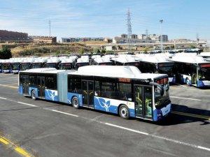 Belediye otobüsü yayaları ezdi!