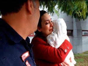 Gözyaşlarıyla kurtarılmasını bekledi
