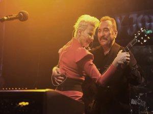 Ümit Besen ve Pamela'dan dans şov