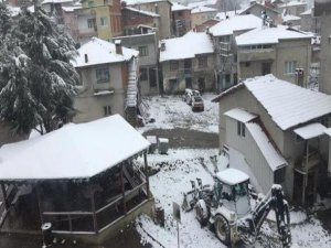 Bursa'ya kar düştü