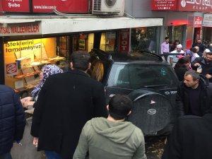Bursa Heykel'de cip dükkana girdi!