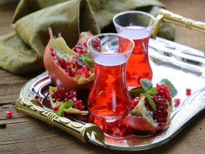 Mevsim meyvelerinden kış çayı