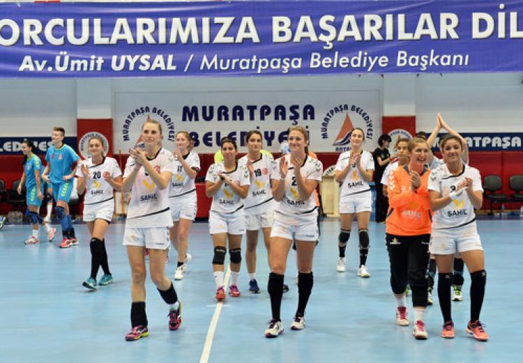 Hentbolde Muratpaşa Belediyespor 3'te 3 yaptı