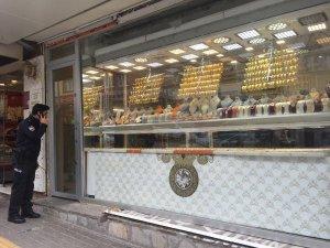 Bursa'da çarşaflı kuyumcu soygunu!
