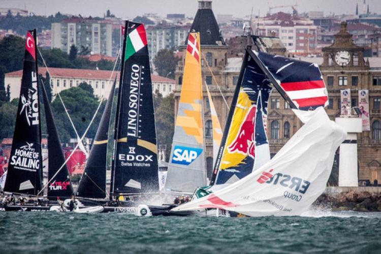 Extreme Sailing Series İstanbul etabı'nda beklenmedik kaza