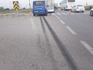 Bursa'da kamyon otomobili biçti