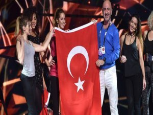 Serhat Eurovision'da finalde