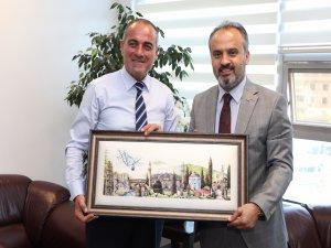 Gemlik belediye başkanına ipek tablo