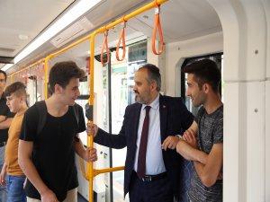 Başkan Aktaş metroya bindi!
