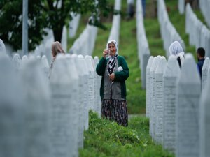 """""""Srebrenitsa'yı unutmadık"""""""
