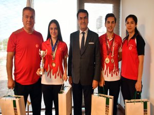 Şampiyon sporcular Bursa'nın gururu oldu