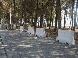 İznik gölünde beton bariyerli tedbir
