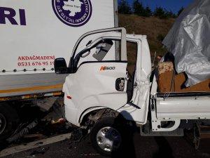 TEM'de feci kaza: Ölüler var!