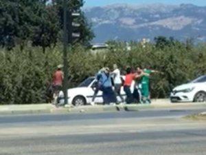 Bursa'da trafik magandaları temizlik işçisine saldırdı