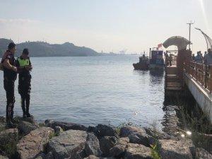Gemlik'te sahile kadın cesedi vurdu