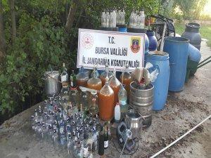 Bursa'da 800 litre ev yapımı içki ele geçirildi