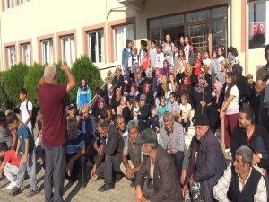 Bursa'da veli ve öğrencilerden eylem!
