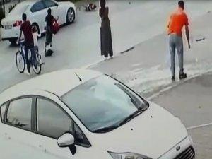 Bursa'da 8 yaşındaki çocuğa otomobil çarptı
