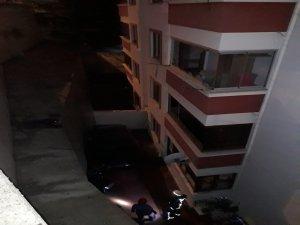 Bursa'da otomobil boşluğa uçtu