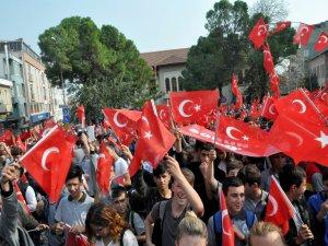Bursa'dan Mehmetçiğe selam
