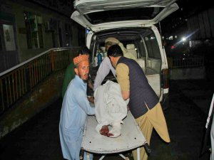 Afganistan'da camiye saldırı