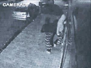 Firari hırsız kadın kılığına girdi