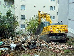 Mudanya'da o evler yıkılıyor