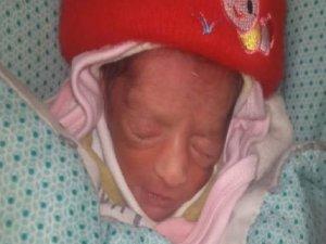 Akrabası için bebek çaldı