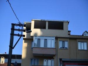 Bursa'da kaçak bina yıkıldı