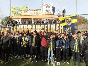 Taraftarlardan Fenerbahçe'ye moral