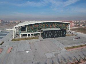 Basket maçına çatı engeli