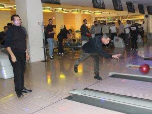Kayapalı İş adamları bowling turnuvasında