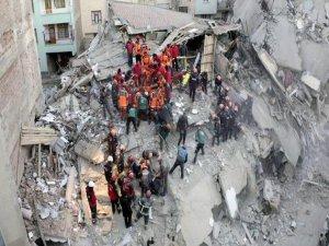 Depremzedelere nakit yardımı