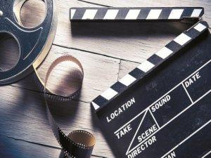 Karantinada mutlu edecek filmler