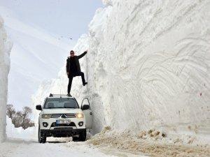 Kar kalınlığı 6 metreyi geçti