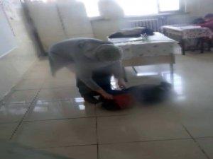Öğrenciye şiddet kamerada