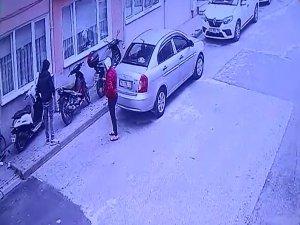 Hırsızlar kameraya yakalandı