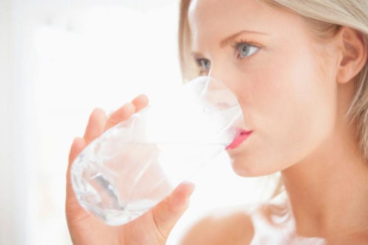 Böbrekleri suyla besleyin